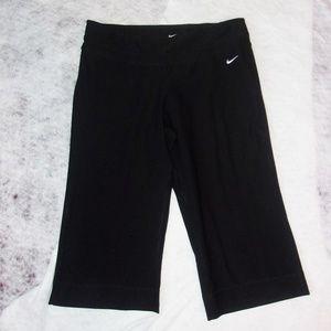 Nike Dri Fit  Capris Black Size Large